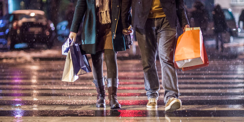 Weather Marketing: Using Foot Traffic Insights in Business Strategies
